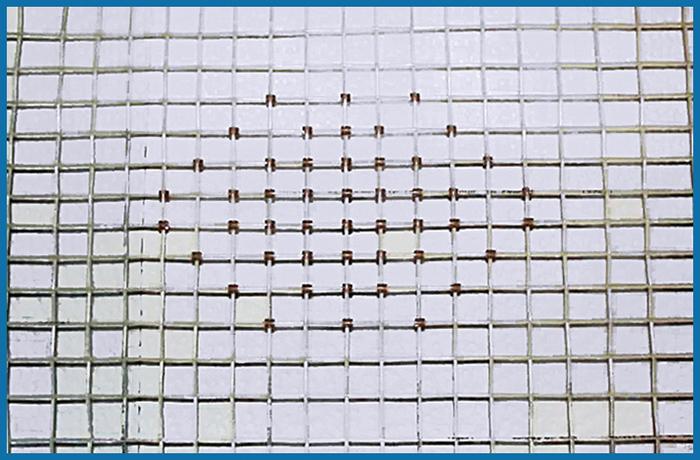 рисунок на теннисных струнах закрепления защитных прокладок