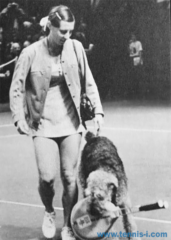 tennisFrançoise Dürr dog