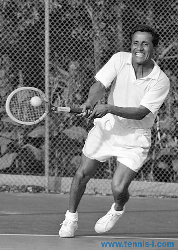 tennis Pancho Segura backhand