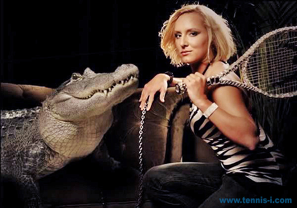 tennis Bethanie Mattek Sands alligator Photoshoot Magazine 2010