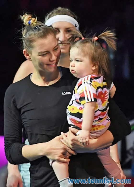 tennis Vera Zvonareva with daughter